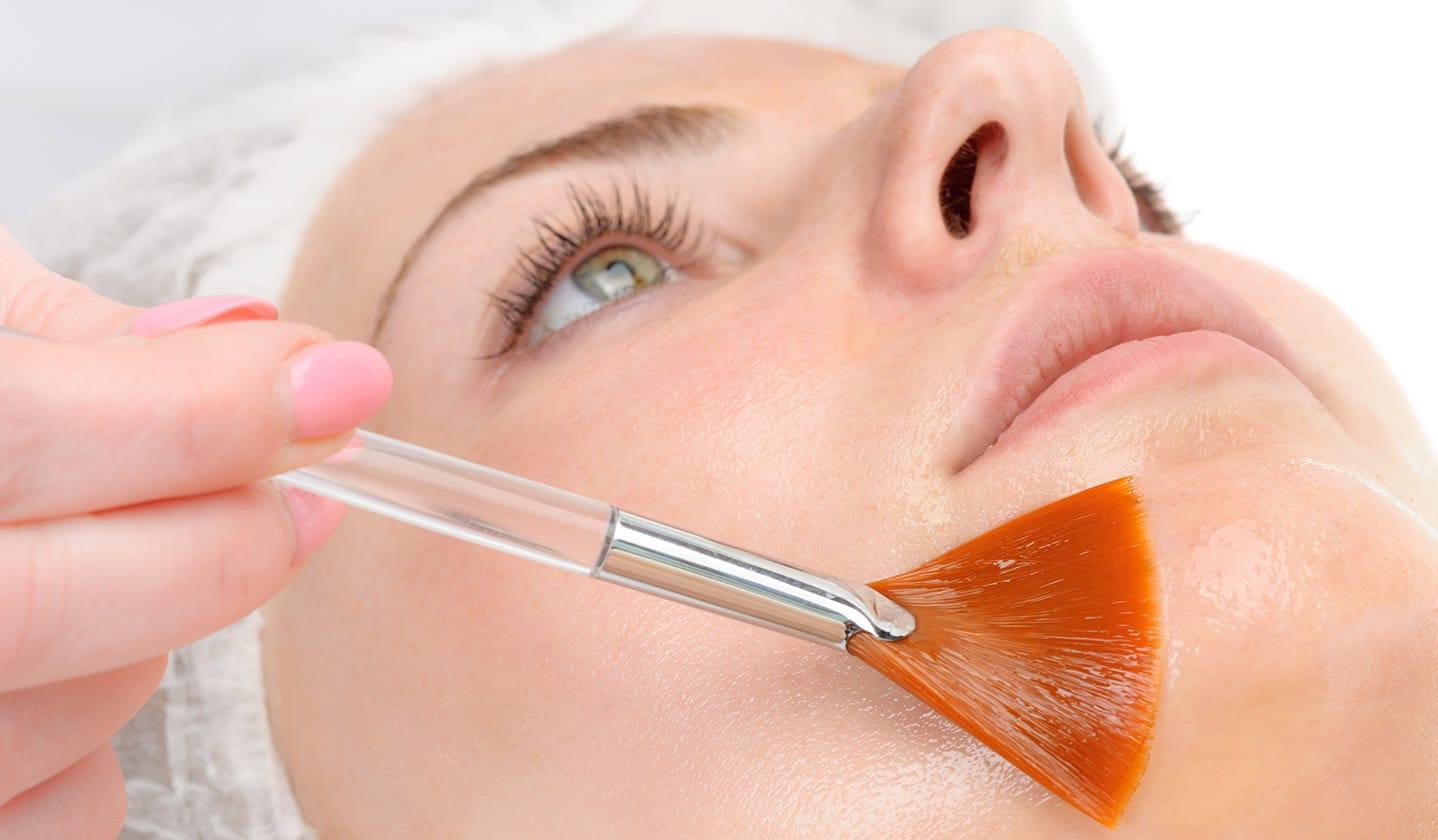Профилактика и лечение фотостарения кожи с помощью пилингов